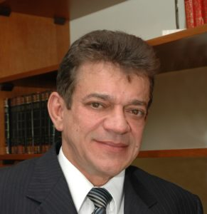 Dr. Nelson Lacerda